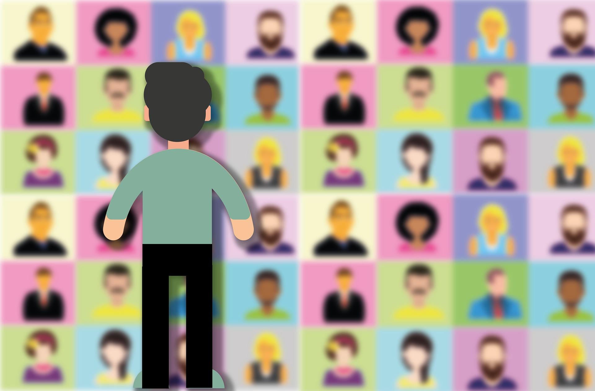 まで Zoom 映る 何人 Web会議ツール「Zoom」に会議に参加できる人数制限はある?有料プランはどれがベスト?|@DIME アットダイム